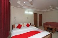 OYO 28130 Hotel Shiva