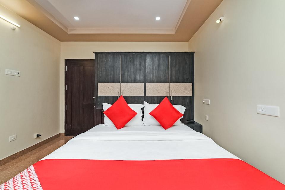 OYO 28131 Bhimas Residency