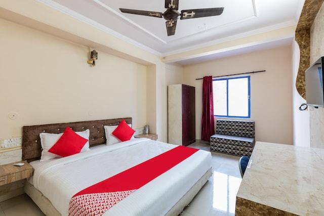 OYO 28133 Hotel Shimla Palace