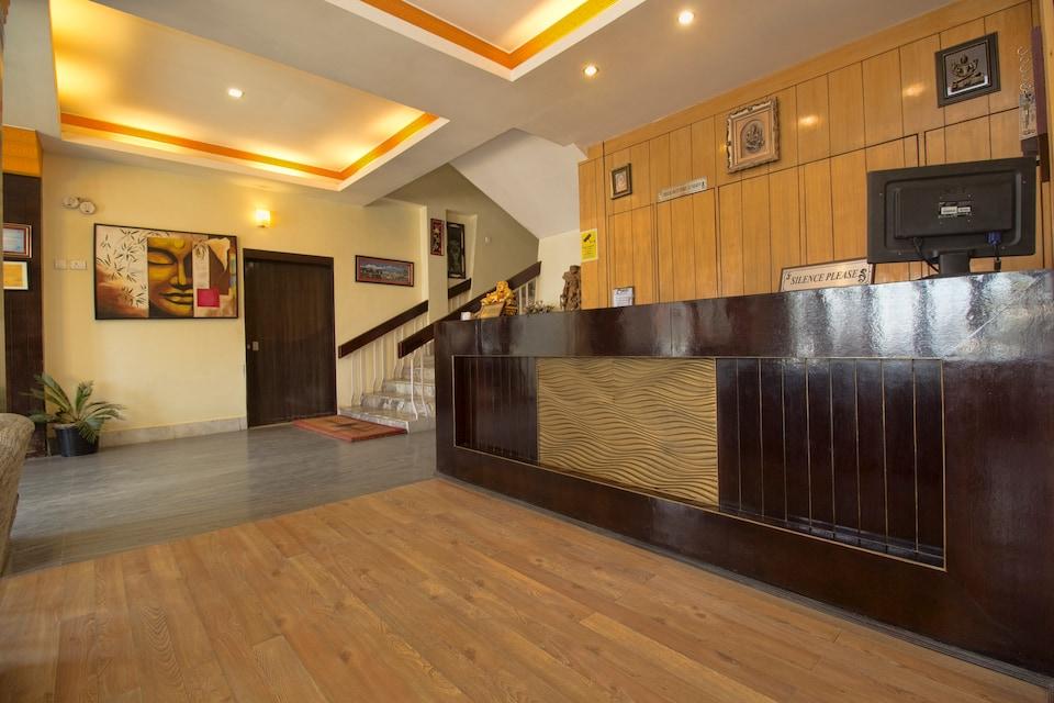 OYO 28160 Hotel Hangkhim