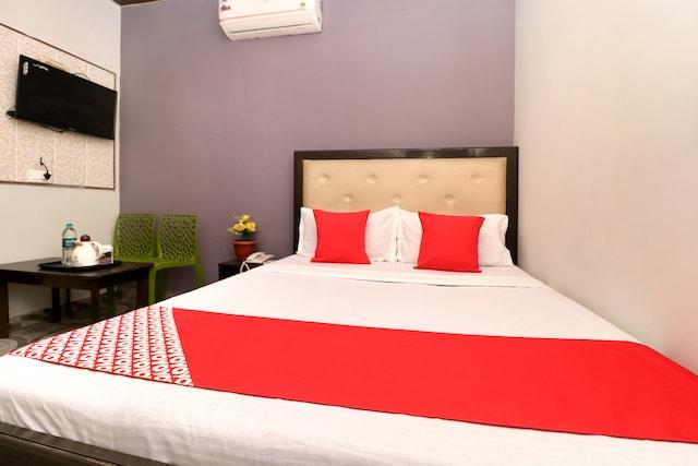 OYO 28180 Hotel Piyush Saver