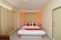 OYO 28208 Nirmala Palace