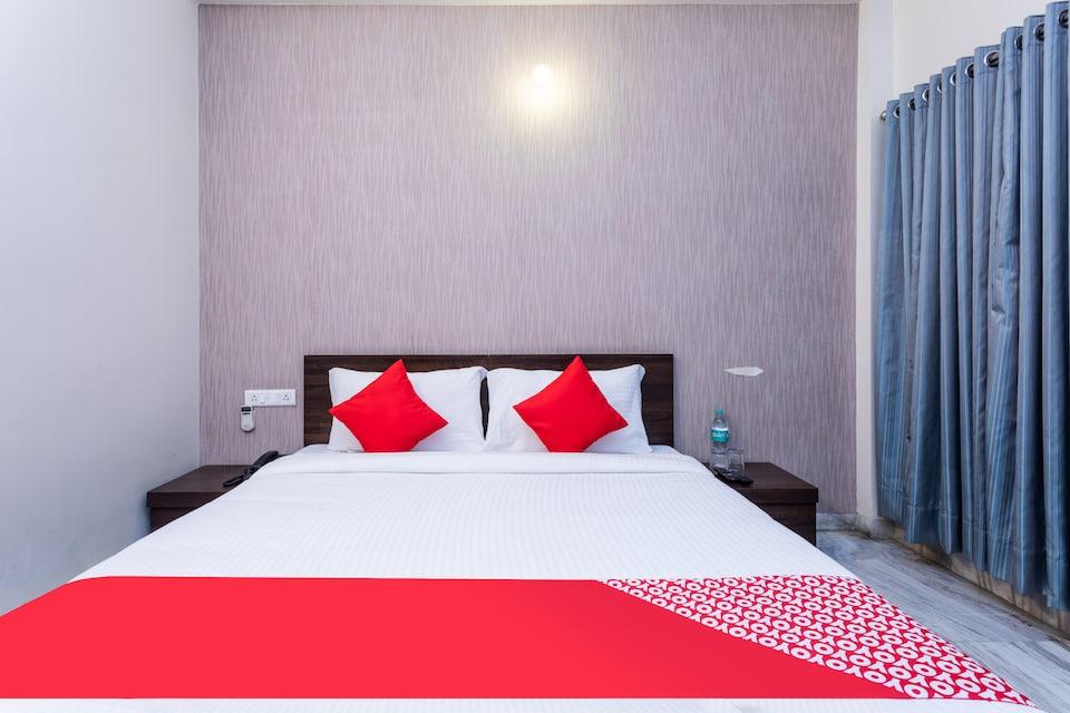 OYO 28226 Hotel Soumya Inn