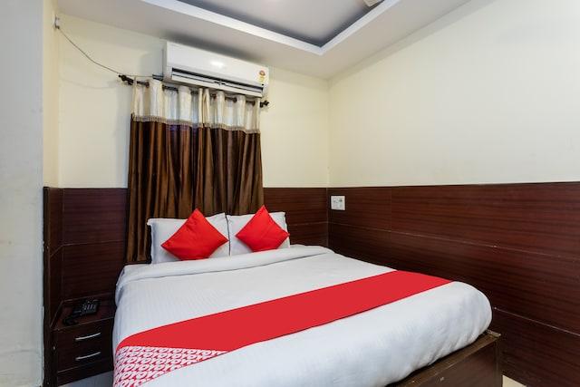 OYO 11945 Hotel Glory Palace