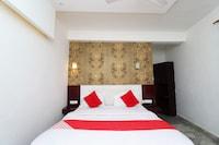 OYO 28240 Hotel D' Seasons Deluxe