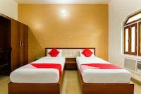 OYO 28245 Lhasa Paying Guest House Saver