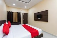 OYO 28247 Hotel SMR Palace