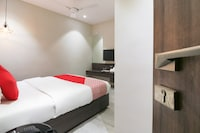 OYO 28254 Hotel Imperia