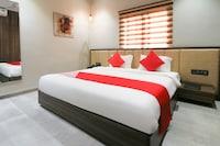 OYO 28254 Hotel Imperia Deluxe