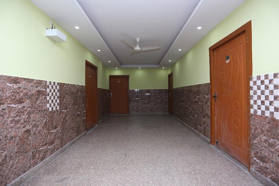 OYO 28264 Chirag House