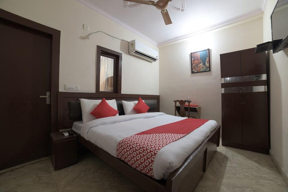 OYO 28266 Travel Inn