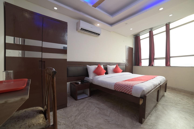 OYO 28266 Travel Inn -1