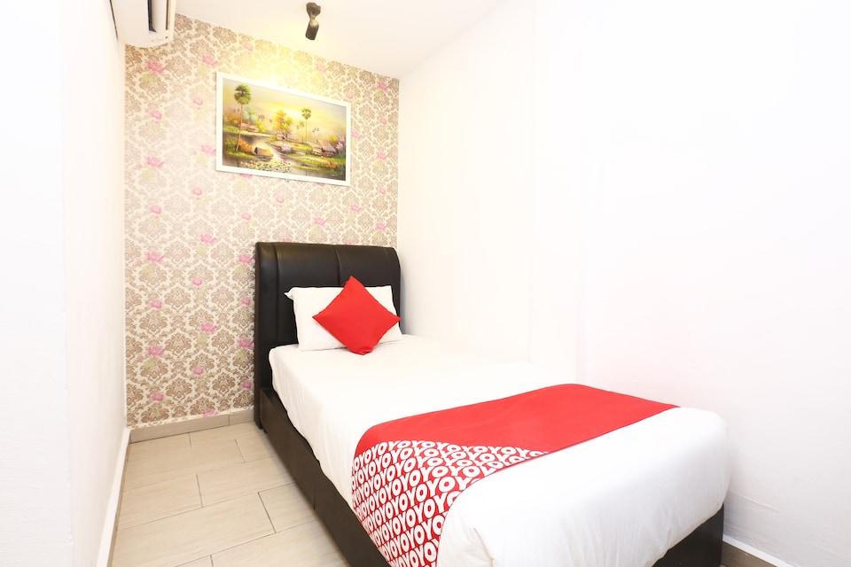 OYO 718 Mr J Hotel Wakaf Che Yeh 1