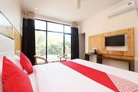 OYO 28304 Hotel Corbett Paradise Deluxe