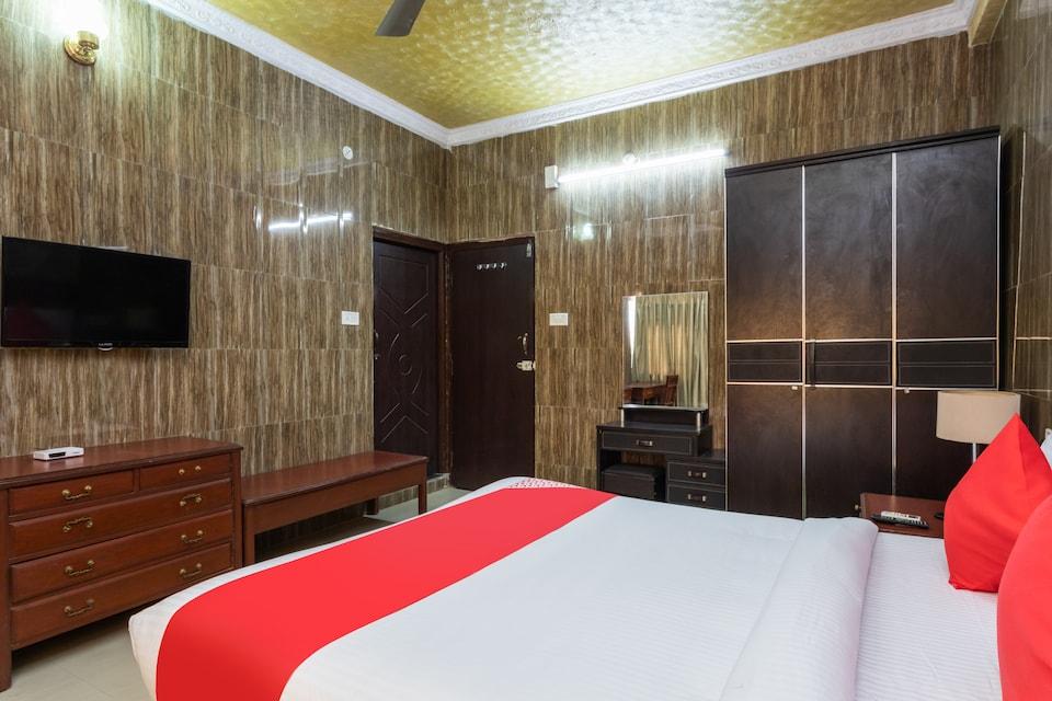 OYO 28324 Hotel Flora Inn