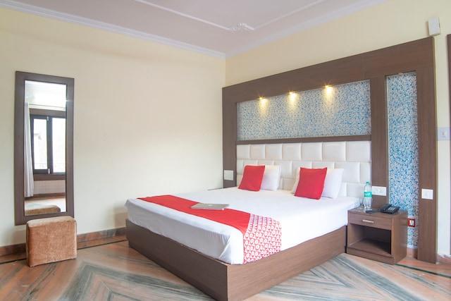 OYO 28345 Hotel Kavyansh Villa