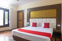 OYO 28345 Hotel Kavyansh Villa Deluxe