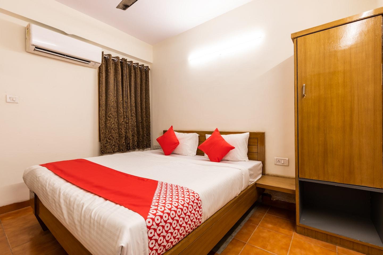 OYO 28360 Hotel Rajdeep -1