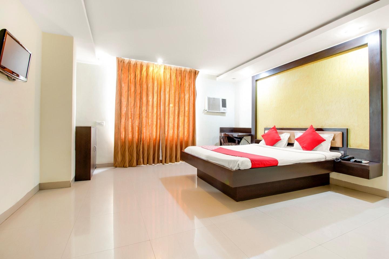 OYO 3336 Hotel Mantri Residency -1