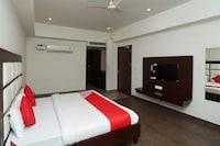 OYO 28414 Royal Palm Resort