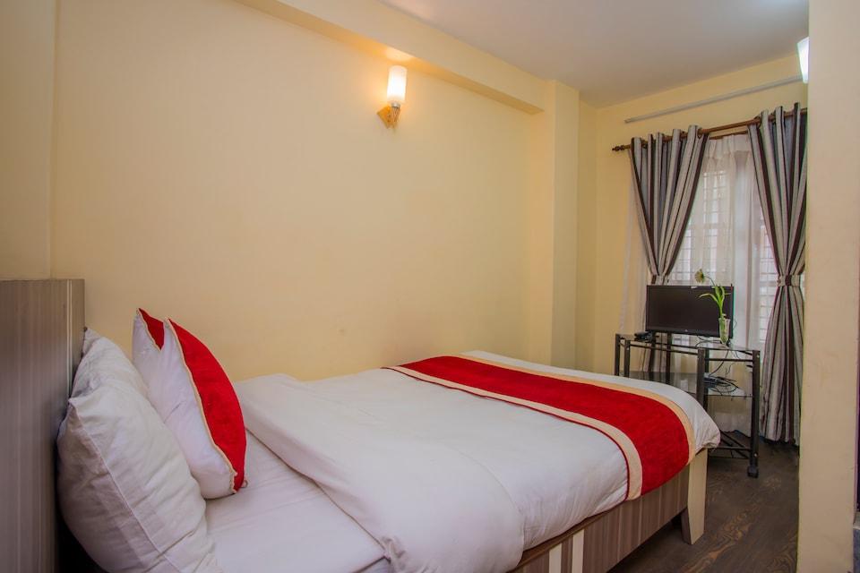 OYO 297 Hotel Aayam