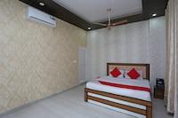 OYO 28442 Hotel Sudhir