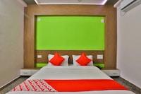 OYO 28444 Hotel Ab Apple