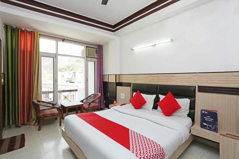 OYO 28445 Hotel Bhavini -1