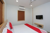 OYO 28446 Urban Boutique Hotel