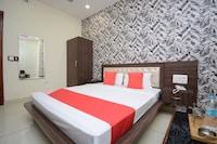 OYO 28465 Hotel Dhingra Deluxe