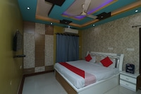 OYO 28469 Shivanya Guest House Deluxe