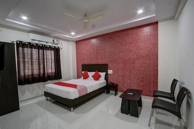 OYO 28556 Harsha Comforts