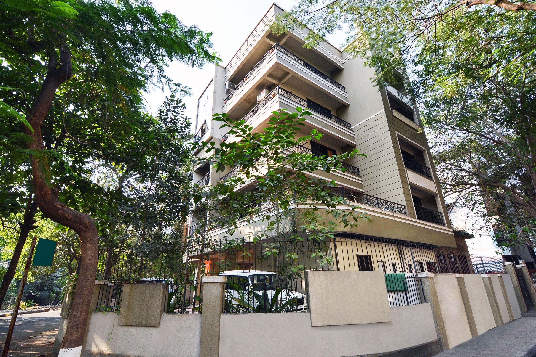 OYO 28568 Aishwarya Apartment