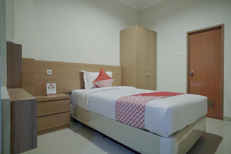 OYO 415 The Kartini 8 Residence -1