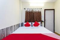 OYO 28582 Sanjar Guest House