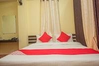 OYO 28590 The Emerald Hotel