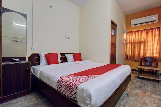 OYO 28592 Sri Maruti Pilgrims House
