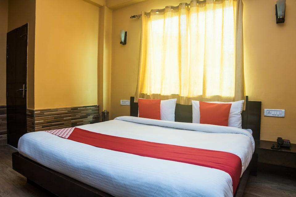 OYO 28598 Hotel King