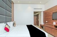 Capital O 28615 Hotel Crossroad Suite