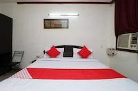 OYO 28620 Hotel Monarch