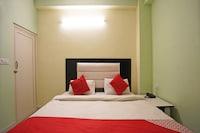 OYO 28625 Ekant Residency