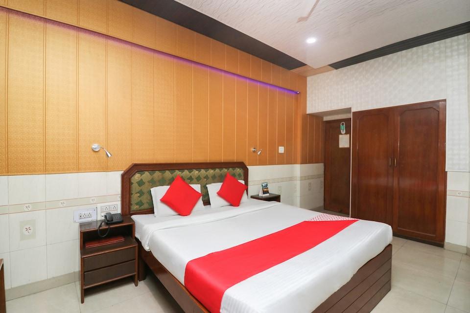 OYO 28628 Hotel Himgiri Residency