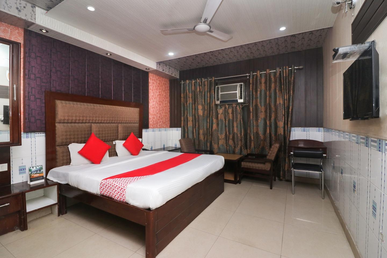 OYO 28628 Hotel Himgiri Residency -1
