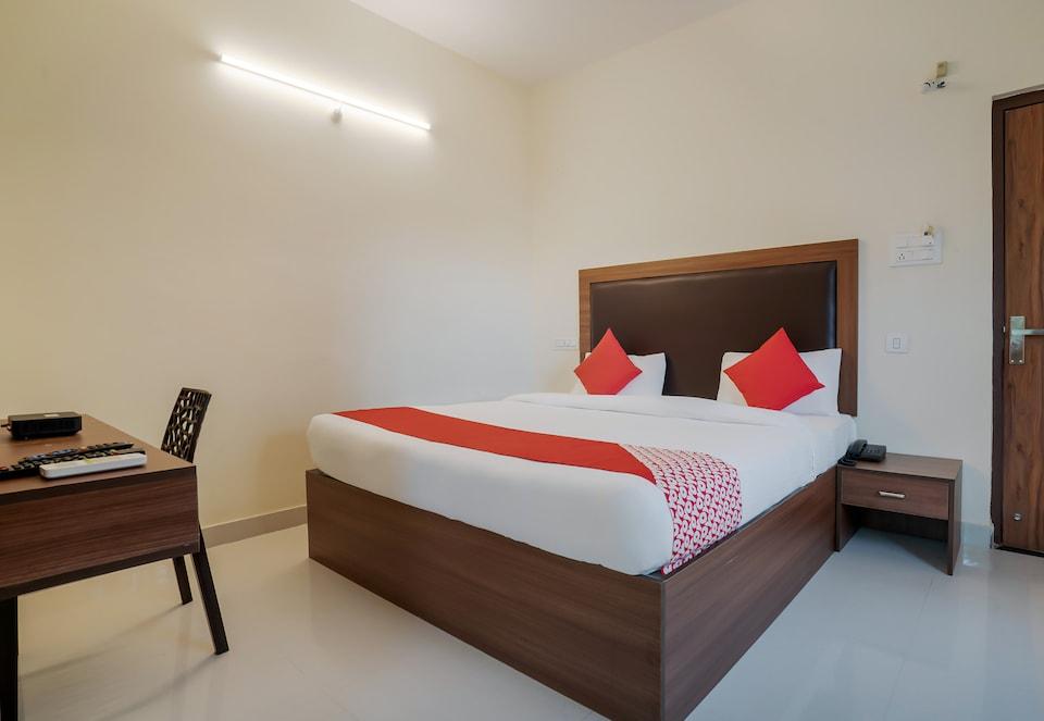 OYO 28637 Gokul Grand, Ameerpet, Hyderabad