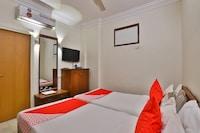 OYO 28667 Hotel Moti Mahal