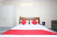 OYO 28670 Hotel Dev Palace