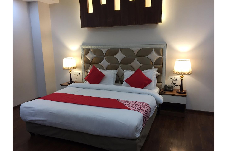 Capital O 28688 The Saffron Hotel -1