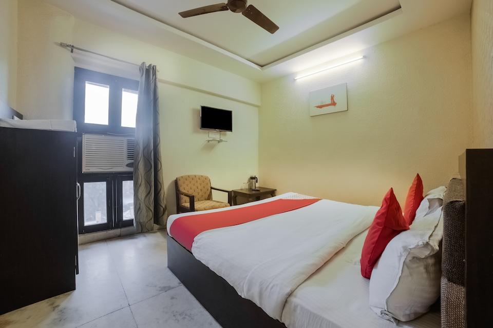 OYO 28766 Hotel Siddharth