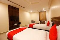 OYO 28777 Hotel Samanya Palace Deluxe