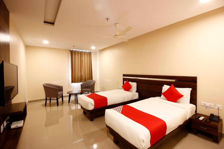 OYO 28777 Hotel Samanya Palace -1